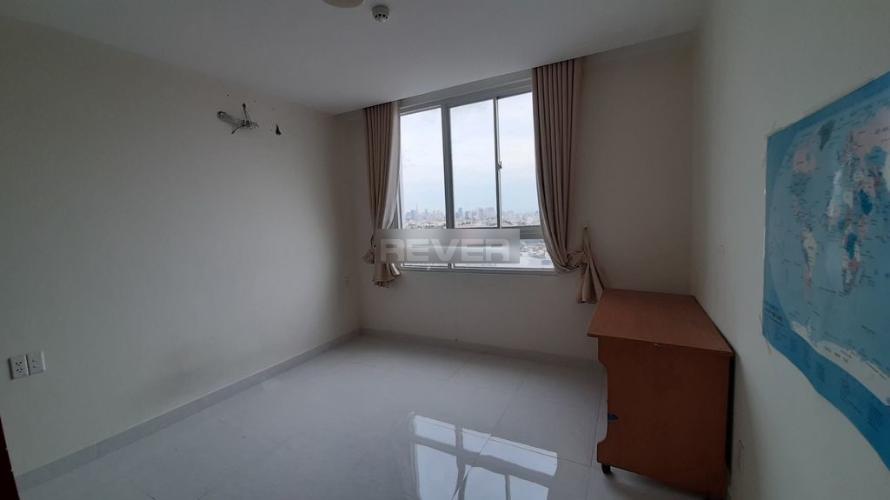 Căn hộ chung cư Bông Sao hướng Đông, view thành phố.