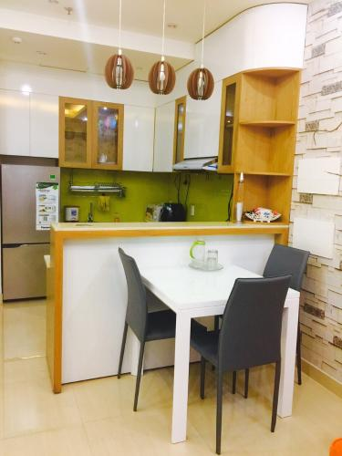Phòng bếp Prince Residence, Phú Nhuận Căn hộ Prince Residence hướng Đông Nam, đầy đủ nội thất.