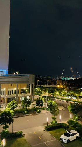 view căn hộ Phú Mỹ Hưng Midtown Căn hộ Phú Mỹ Hưng Midtown tầng trung đầy đủ nội thất sang trọng.