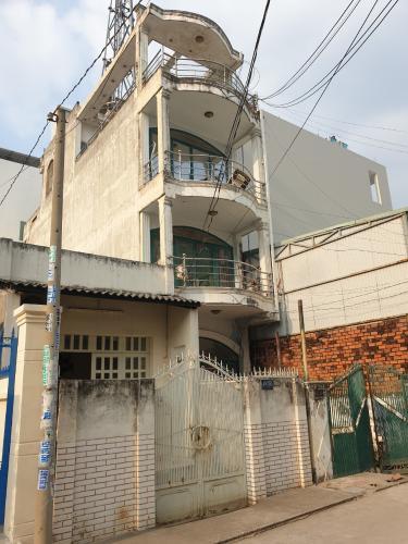 Nhà phố hướng Đông Nam đường Gò Ô Môi 3 tầng, nội thất cơ bản.