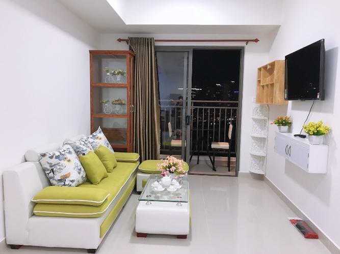 Căn hộ The Sun Avenue tầng 13 đầy đủ nội thất, thiết kế sang trọng.