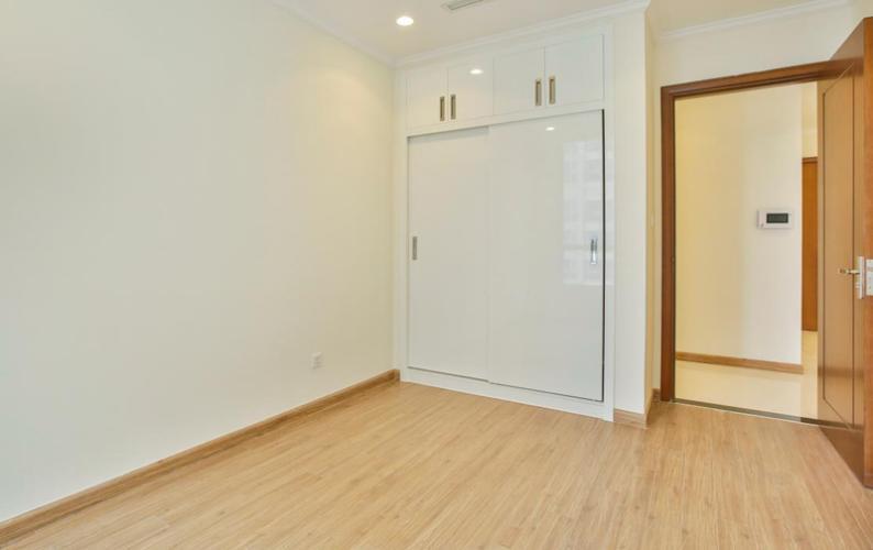 Phòng ngủ căn hộ Vinhomes Grand Park Căn hộ Vinhomes Central Park tầng cao nội thất cơ bản, 4 phòng ngủ.