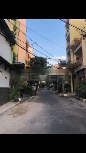 Đường trước nhà phố Quận Tân Phú Nhà phố có 2 mặt tiền kinh doanh đường Lê Quang Chiểu, kết cấu 3 tầng.