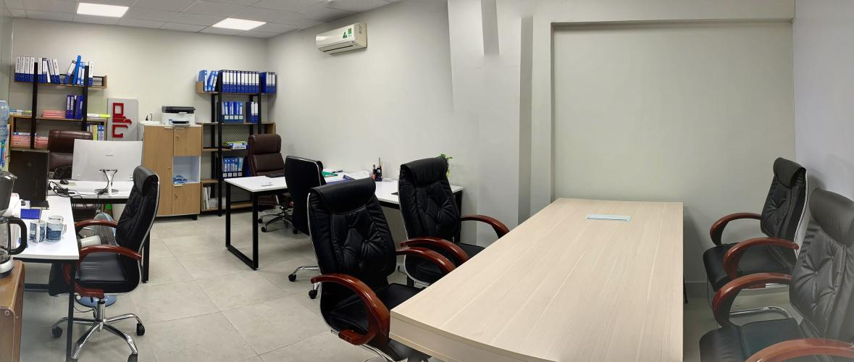 Văn phòng Q.Bình Thạnh đường xe hơi có mặt tiền rộng rãi, diện tích 38m2.