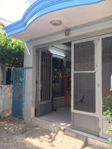 Nhà phố hẻm đường Huỳnh Tấn Phát hướng Tây, có sổ hồng riêng.