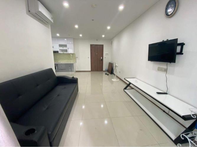 Căn hộ tầng trung Hado Centrosa Garden nội thất cơ bản.