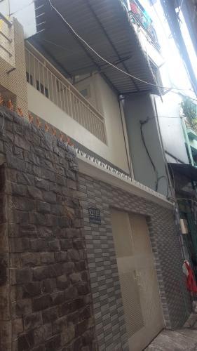 Nhà phố hướng Nam gần ngã tư hành Xanh, diện tích 55m2.