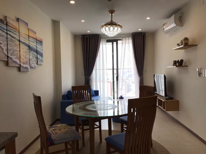 Căn hộ Kingston Residence tầng trung, nội thất tiện nghi.