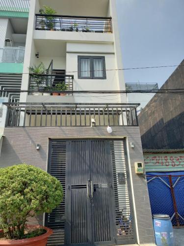 Nhà phố mặt tiền đường Ngô Chí Quốc, bàn giao sổ hồng.