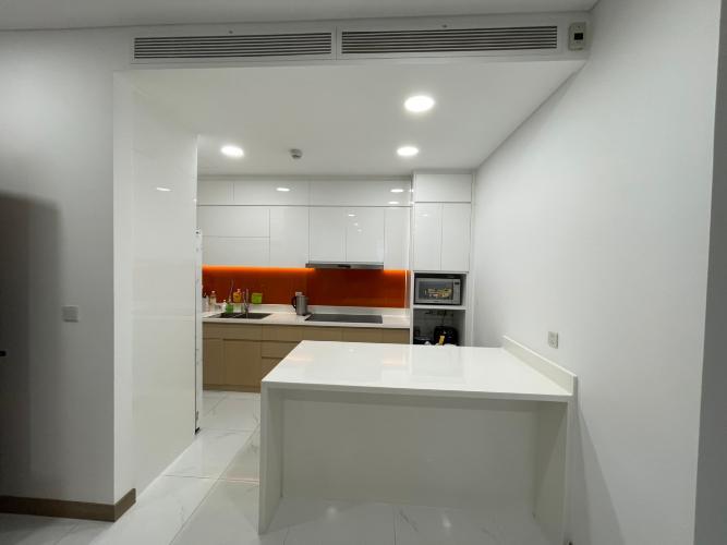 Căn hộ Sunwah Pearl tầng 19 nội thất cơ bản, view thành phố thoáng mát
