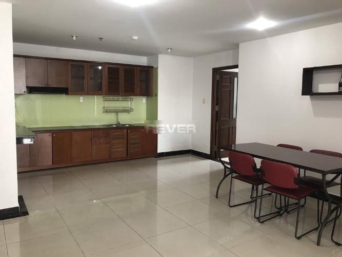 Phòng bếp Chánh Hưng Giai Việt, Quận 8 Căn hộ Chánh Hưng Giai Việt tầng trung, nội thất đầy đủ.
