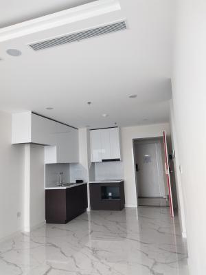 Căn hộ Sunshine City Sài Gòn tầng 5 nội thất cơ bản, tiện ích đầy đủ.