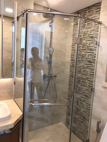 phòng tắm Vinhomes Golden River Officetel Vinhomes Golden River tầng trung, tháp Aqua 1 nội thất cơ bản
