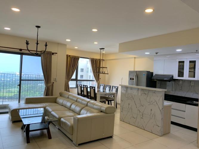 Phòng khách căn hộ Masteri Thảo Điền, Quận 2 Căn hộ Masteri Thảo Điền tầng cao, đón view thành phố tuyệt đẹp.