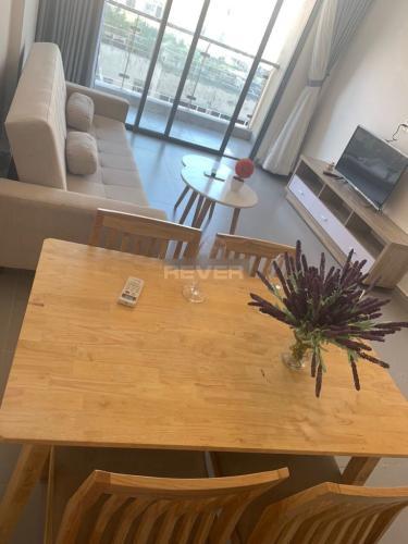 Căn hộ The Gold View tầng 17 bàn giao đầy đủ nội thất hiện đại.