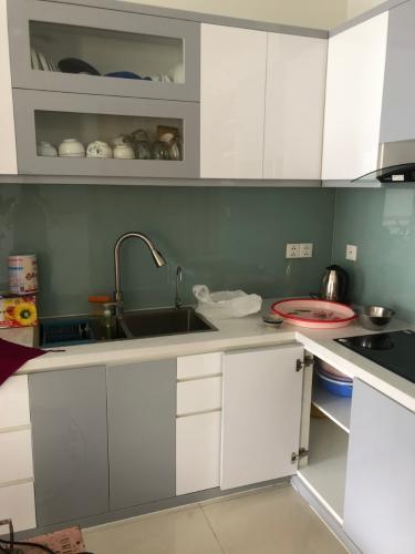 Bếp Celadon City, Tân Phú Căn hộ tầng trung Celadon City nội thất cơ bản,
