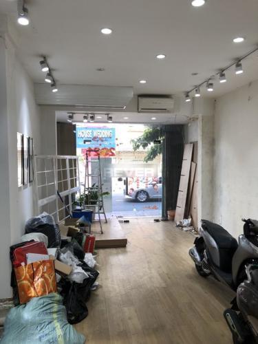 Không gian mặt bằng kinh doanh Quận Phú Nhuận  Mặt bằng kinh doanh Quận Phú Nhuận diện tích 50m2, nội thất cơ bản.