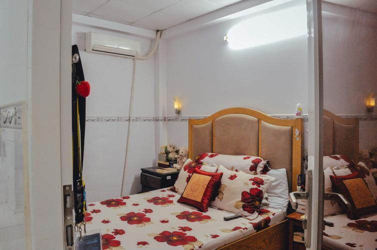 Phòng ngủ Nhà phố hướng Bắc, hẻm bê tông sạch sẽ rộng rãi.