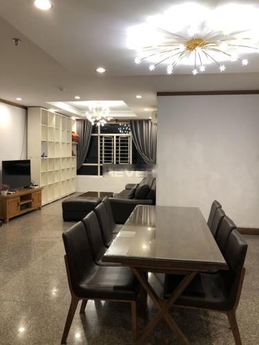 Căn hộ Chánh Hưng - Giai Việt tầng cao hướng Đông, nội thất cơ bản.