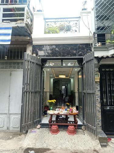 Mặt tiền nhà phố Tân Kiểng, Gò Vấp Nhà phố Gò Vấp hướng Tây 2 mặt hẻm, thuận tiện kinh doanh.