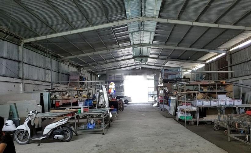 Nhà xưởng kho bãi Huyện Bình Chánh Nhà xưởng kho bãi diện tích 1000m2, đường container 40feet quay đầu.