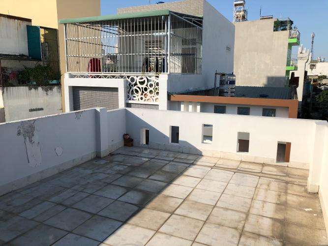 Sân thượng nhà phố Nhà phố Bình Tân cửa hướng Bắc thiết kế kiên cố, hẻm xe máy.