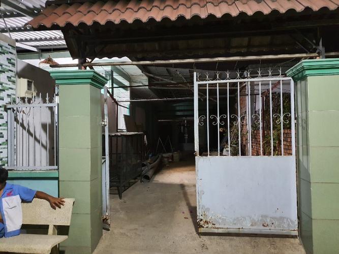 Cửa nhà phố Quận 9 Bán nhà đường 33, Long Thạnh Mỹ, Quận 9, hướng Nam, liền kề đường Nguyễn Xiển