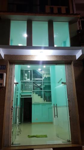 Phòng khách nhà phố Nhà phố hướng Bắc thiết kế kỹ lưỡng, diện tích sử dụng 200m2.