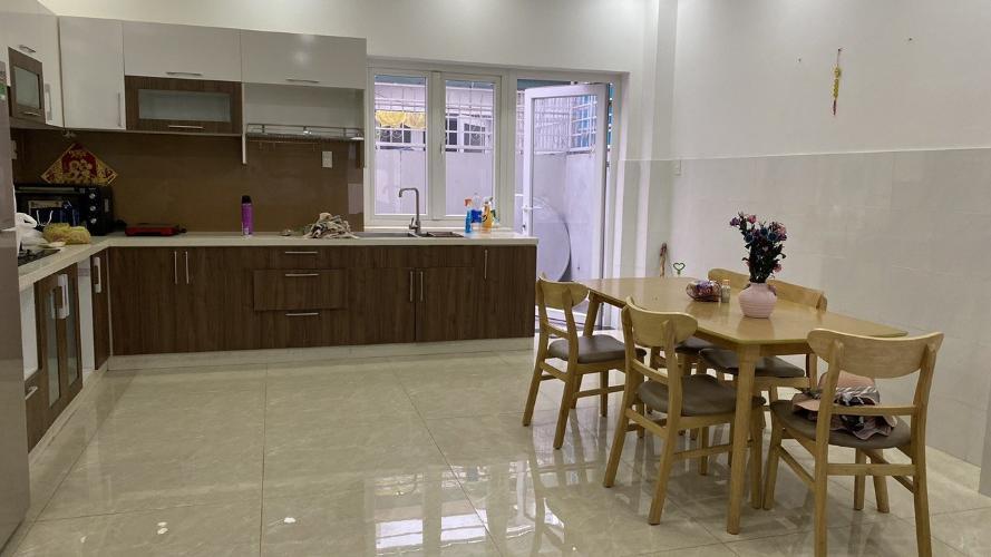 Phòng bếp nhà phố Quận 9 Nhà phố KDC Mega Residence Quận 9 hướng Đông, đầy đủ nội thất.