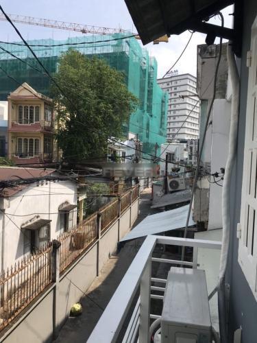 Hẻm nhà phố Nguyên Hồng, Gò Vấp Nhà phố hướng Đông, hẻm xi măng nhỏ thông thoáng, an ninh.