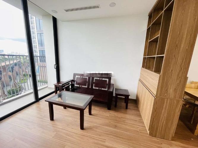 Căn hộ góc Eco Green Saigon tầng thấp, đầy đủ nội thất hiện đại.