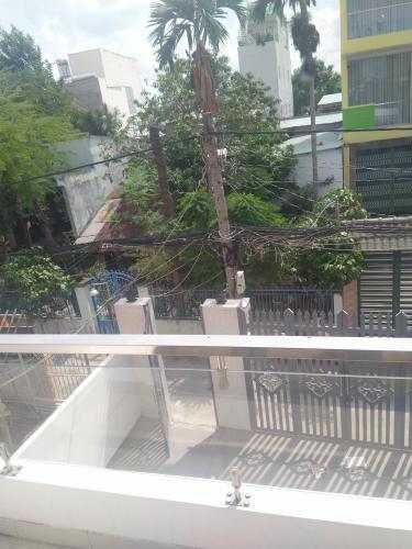 Ban công nhà phố quận 7 Bán nhà phố 2 tầng, đường hẻm Chuyên Dùng Chính, phường Phú Mỹ, quận 7, diện tích đất 60.6m2, diện tích sàn 191.6m2, sổ hồng đầy đủ