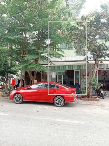 Mặt tiền nhà phố Huyện Bình Chánh Nhà 1 trệt 1 lầu Huyện Bình Chánh hướng Tây Nam, sổ hồng riêng.
