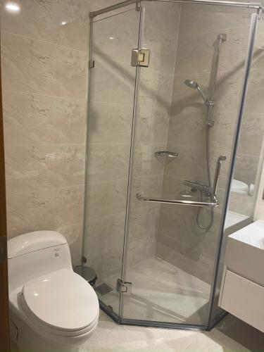 Phòng tắm Căn hộ Vinhomes Central Park Căn hộ Vinhomes Central Park đầy đủ nội thất, hướng Tây.