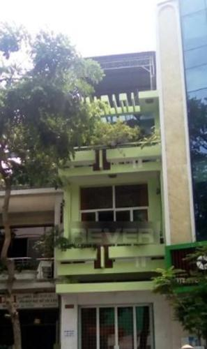Mặt bằng kinh doanh đường Yersin diện tích 32m2, nội thất cơ bản.
