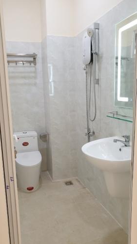 Phòng tắm căn hộ chung cư 44B Trần Quang Khải Căn hộ chung cư 44B Trần Quang Khải view thành phố, bờ kè Hoàng Sa.