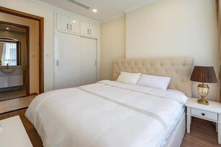 Phòng ngủ căn hộ Vinhomes Central Park Căn hộ Vinhomes Central Park hướng Đông Nam, đầy đủ tiện nghi.