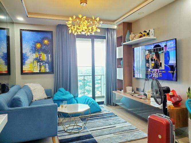 Căn hộ Feliz En Vista tầng cao, thiết kế nội thất năng động, đầy đủ.