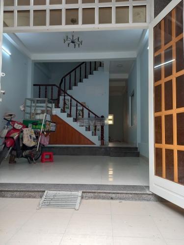 Nhà phố ngay cầu Ông Dầu, diện tích sử dụng rộng 200m2.