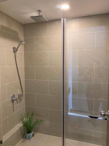 Phòng tắm River Panorama, Quận 7 Căn hộ River Panorama tầng thấp, view thành phố.