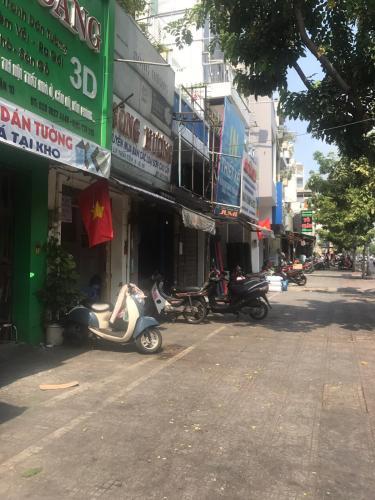 Đường vào Bán nhà phố đường Lý Thái Tổ phường 9 quận 10, diện tích đất 44.86m2, sổ hồng
