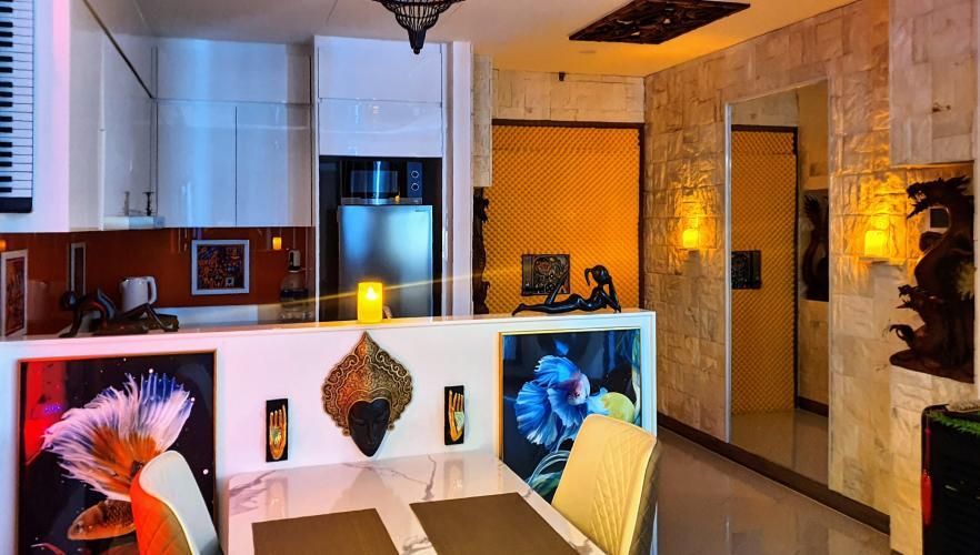 Phòng bếp căn hộ Sunwah Pearl, Bình Thạnh Căn hộ Sunwah Pearl thiết kế độc đáo, view nội khu và thành phố