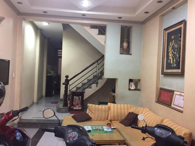 Bán nhà phố 4 phòng ngủ, hẻm 84 đường nguyễn thái bình quận 1, diện tích đất 51.3m2, sổ hồng đầy đủ.
