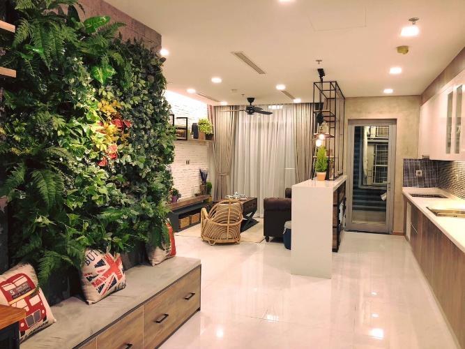 Phòng khách căn hộ Vinhomes Central Park, Quận Bình Thạnh Căn hộ tầng 26 Vinhomes Central Park đầy đủ nội thất hiện đại.