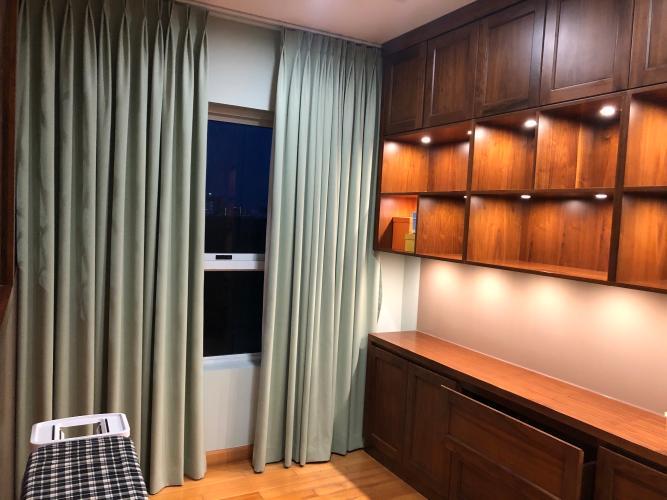 Phòng khách Dragon Hill Residence and Suites, Nhà Bè Căn hộ Dragon Hill Residence And Suites hướng Đông thoáng mát.