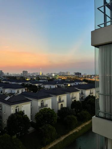 View căn hộ Jamila Khang Điền, Quận 9 Căn hộ Jamila Khang Điền tầng 7 đầy đủ nội thất hiện đại.