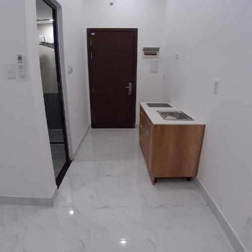 Office-tel The Sun Avenue tầng thấp, bàn giao nội thất cơ bản có sẵn.
