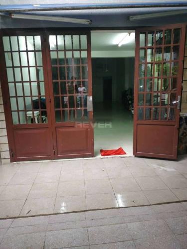 Cửa mặt bằng Tân Phú Mặt bằng kinh doanh Q. Tân Phú hướng Đông Bắc, diện tích 150m2.