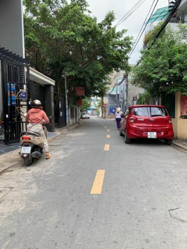 Đường nhà phố đường số 2, Quận 2 Nhà phố hướng Đông. mặt tiền đường nhựa xe hơi.