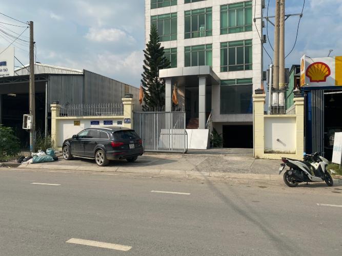 Đường trước văn phòng Quận 9 Văn phòng mặt tiền đường Liên Phường diện tích 500m2, tiện ích đầy đủ.